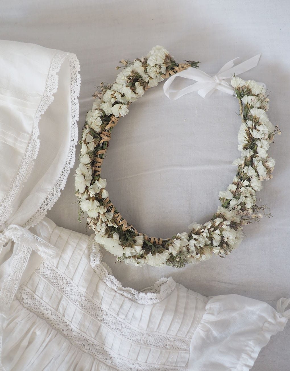 catho-retro-couronne-portugal-grande-fleur-blanche-2