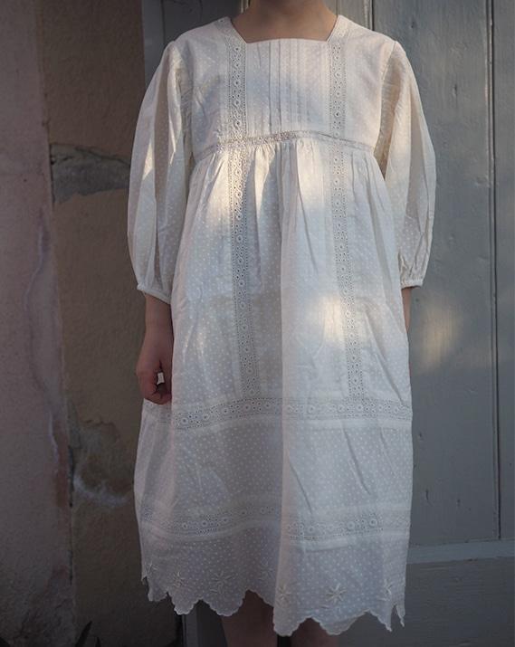 catho-retro-robe-bonjour-2